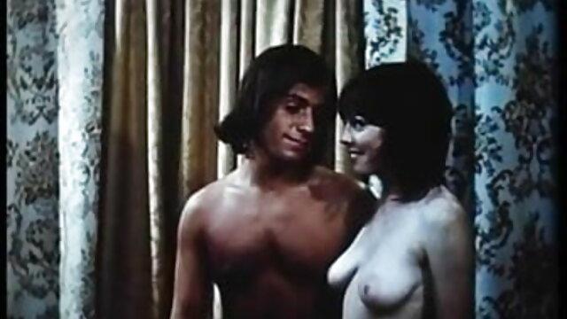 एडिलेड क्लेमेंस-परेड बीपी सेक्सी ब्लू फिल्म एंड