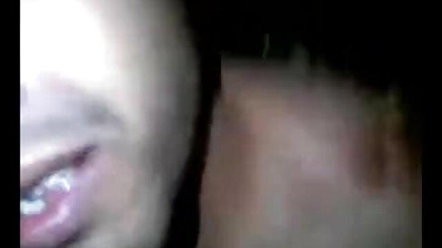 बहुत सुन्दर बेब से पता चलता है बंद उसके स्तन और चूसना एक पॉप्सिकल अंग्रेजी ब्लू फिल्म बीपी
