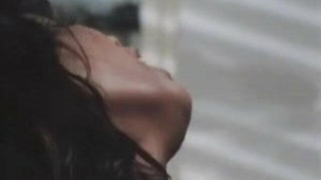 एलेक्सा जंजीर और उल्टा बंधा हुआ बीपी देसी फिल्म है