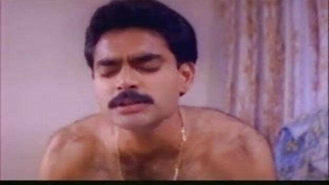 प्यारा गोरा ब्लू फिल्म बीपी पिक्चर शौकिया बेकार है और एक सेलबोट पर