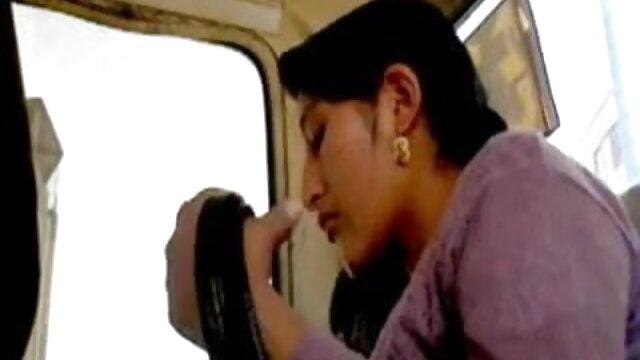 नाइट ब्लू फिल्म सेक्सी बीपी वीडियो के साथ गर्म त्रिगुट