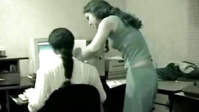 एमआईएलए चेहरे से पहले जिम ब्लू सेक्सी बीपी मूवी में बीबीसी द्वारा नष्ट कर दिया