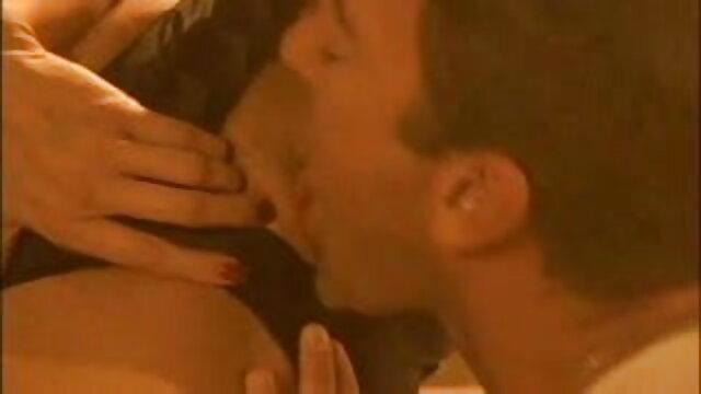 ओलिविया सेक्सी बीपी ओपन फिल्म और डेरिक भाड़ में जाओ