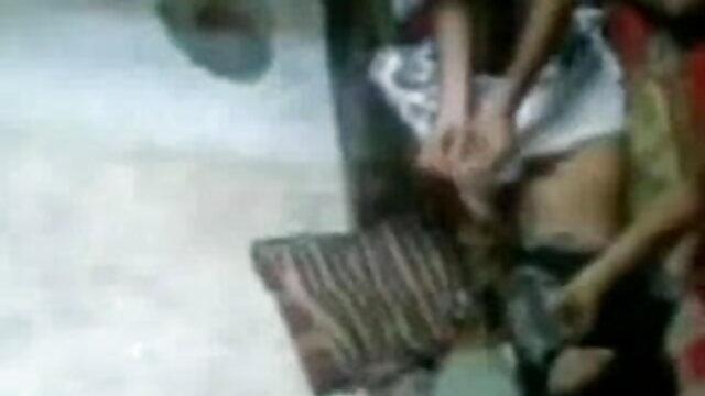 घुंघराले सौंदर्य सभी छेद खोलने बीपी सेक्सी वीडियो फिल्म