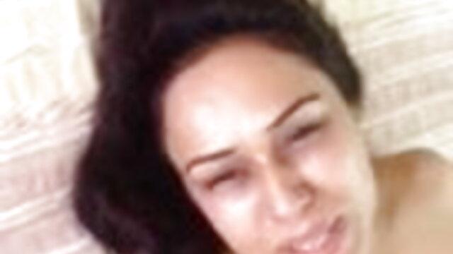 एक गोरा के साथ ट्रेन पर सेक्स से अंग्रेजी ब्लू फिल्म बीपी भरा