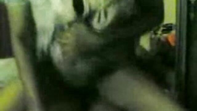 सींग हिंदी फिल्म बीपी सेक्सी का बना हुआ मुर्गा चूसने, युआ