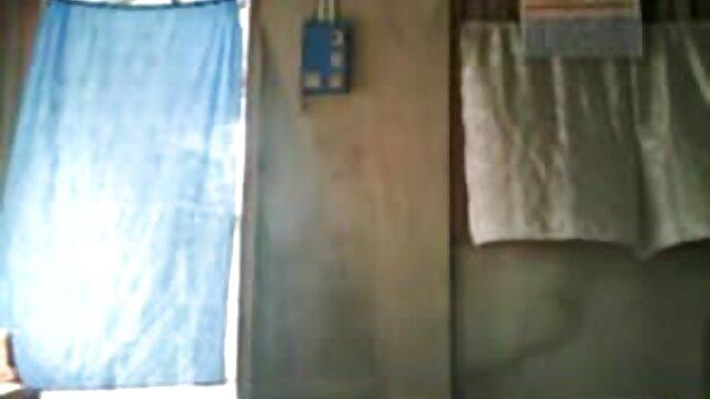 वसा, उसके बालों वाली एशियाई बिल्ली गुजराती बीपी ब्लू फिल्म फैला द्वारा एक दादा