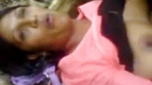यह असली किशोर सह बीपी ब्लू फिल्म सेक्सी निगल!