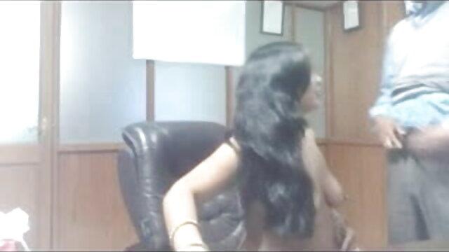 Amantres: सेक्सी फिल्म बीपी हिंदी में Florencia