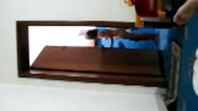 अचानक वह खुद Bares बीपी सेक्सी फिल्म वीडियो